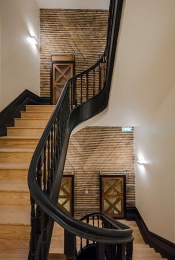 Деревянная лестница каркас металл